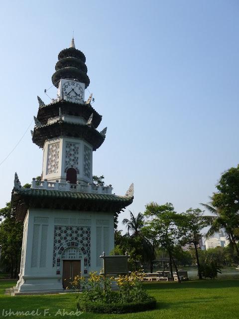 Clock tower in Lumphini Park