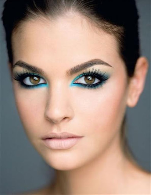 Blue Eye Shadow make up