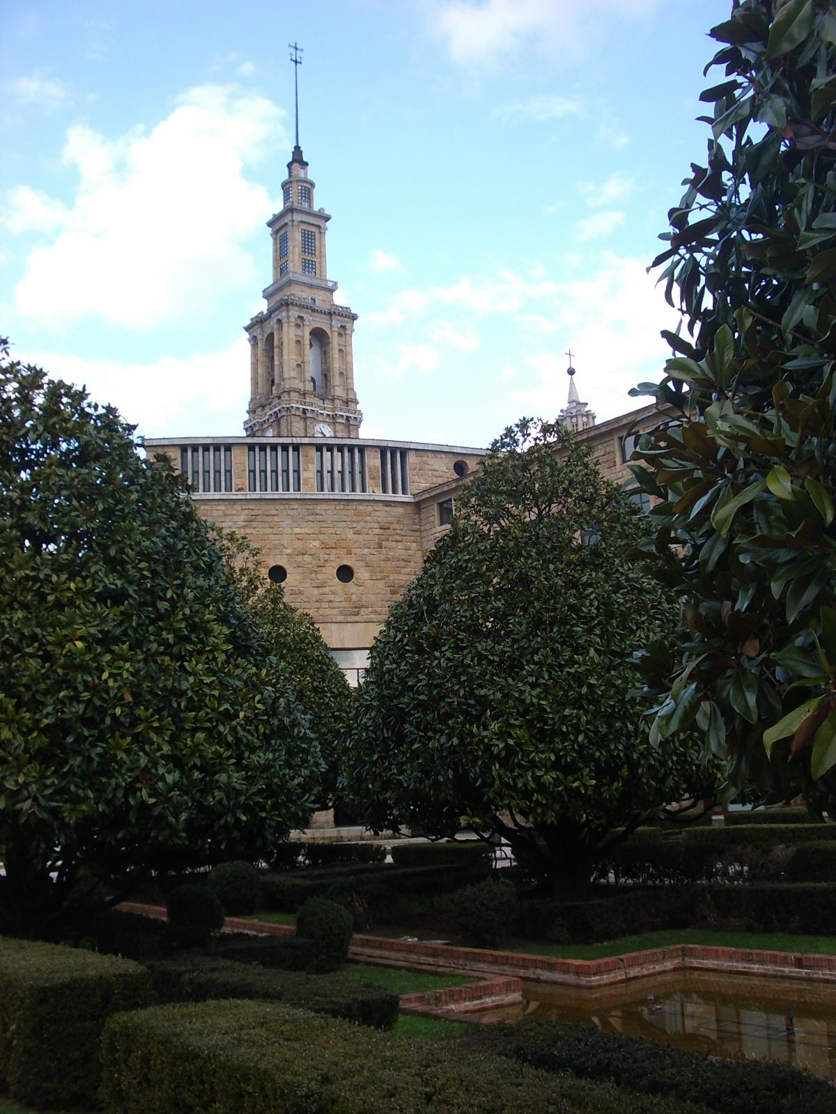 Patrimonio arquitect nico de asturias xerardo estevez for Arquitecto universidad