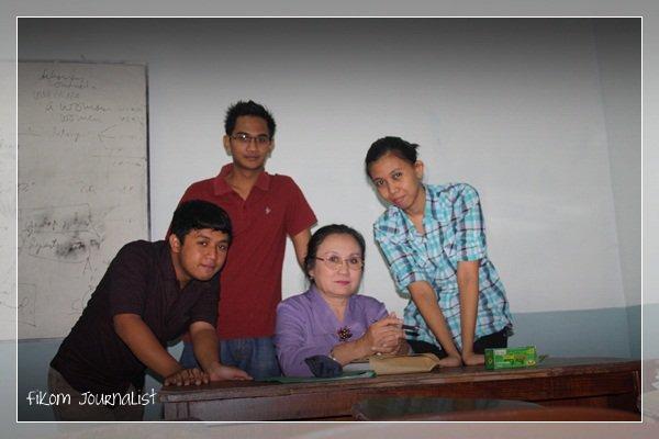 With Dosen Public Relations Ibu Endang Wahyu W, M.Si