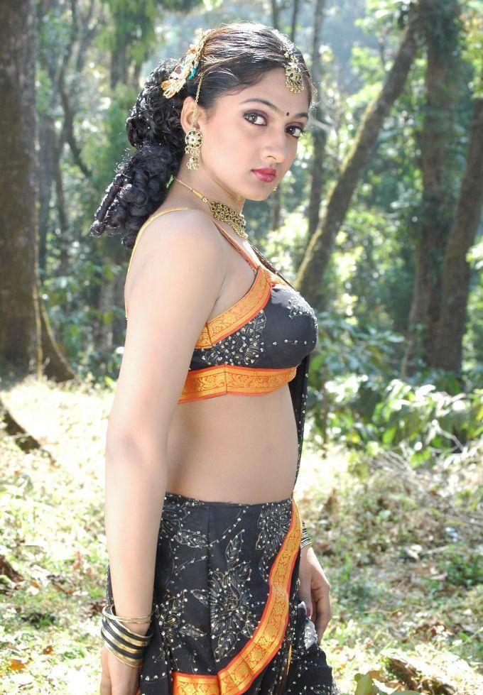 Telugumovieclub Sheela Latest Pics