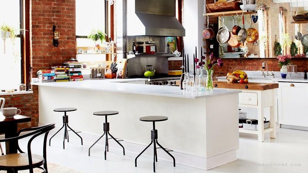 Boiserie c bar stools