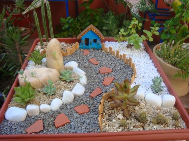 artesanato mini jardim:Oi minha gente querida! Hoje venho com mais minijardins que fiz em