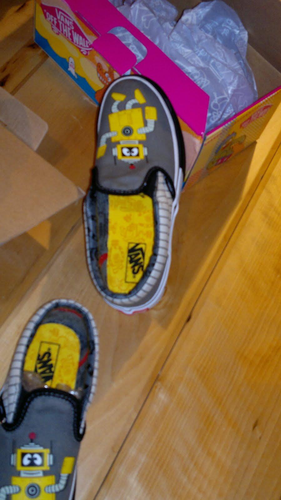 m♥mmil♥ve  Kian s Yo Gabba Gabba Shoes! fc9a55e00