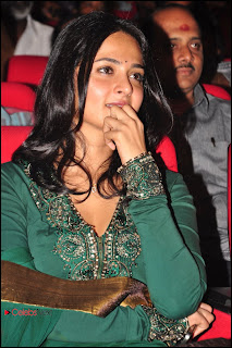 Anushka Shetty Pictures in Salwar Kameez at Yamudu 2 (Singam 2) Movie Audio Launch 0003