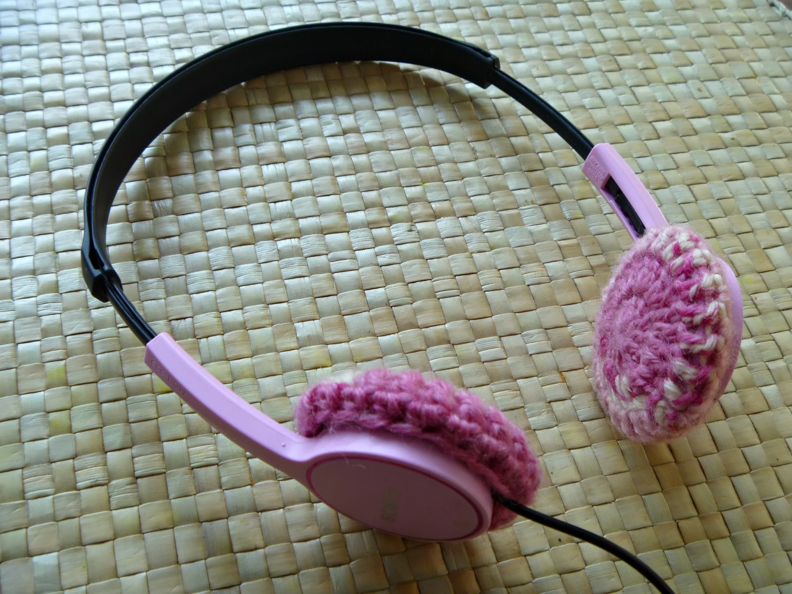 saving the day with crochet how to make crochet headphone covers