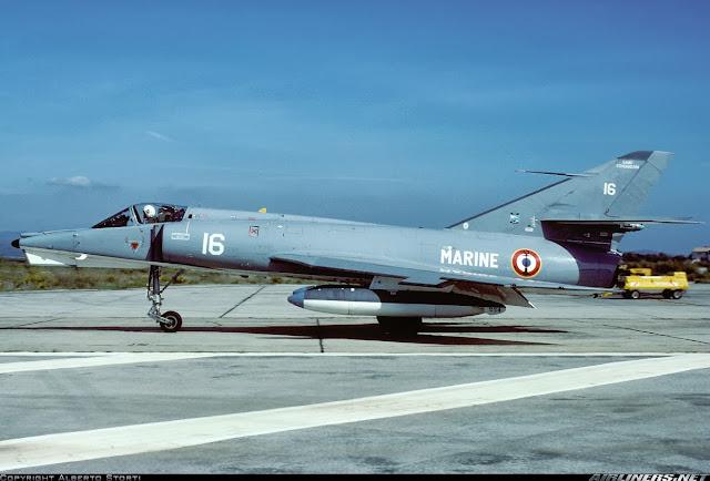 Dassault Etendard IV M 16