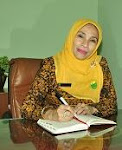 Kepala Sekolah (2012- ...) Dra.Hj.R .Neni Nuraeni,MM