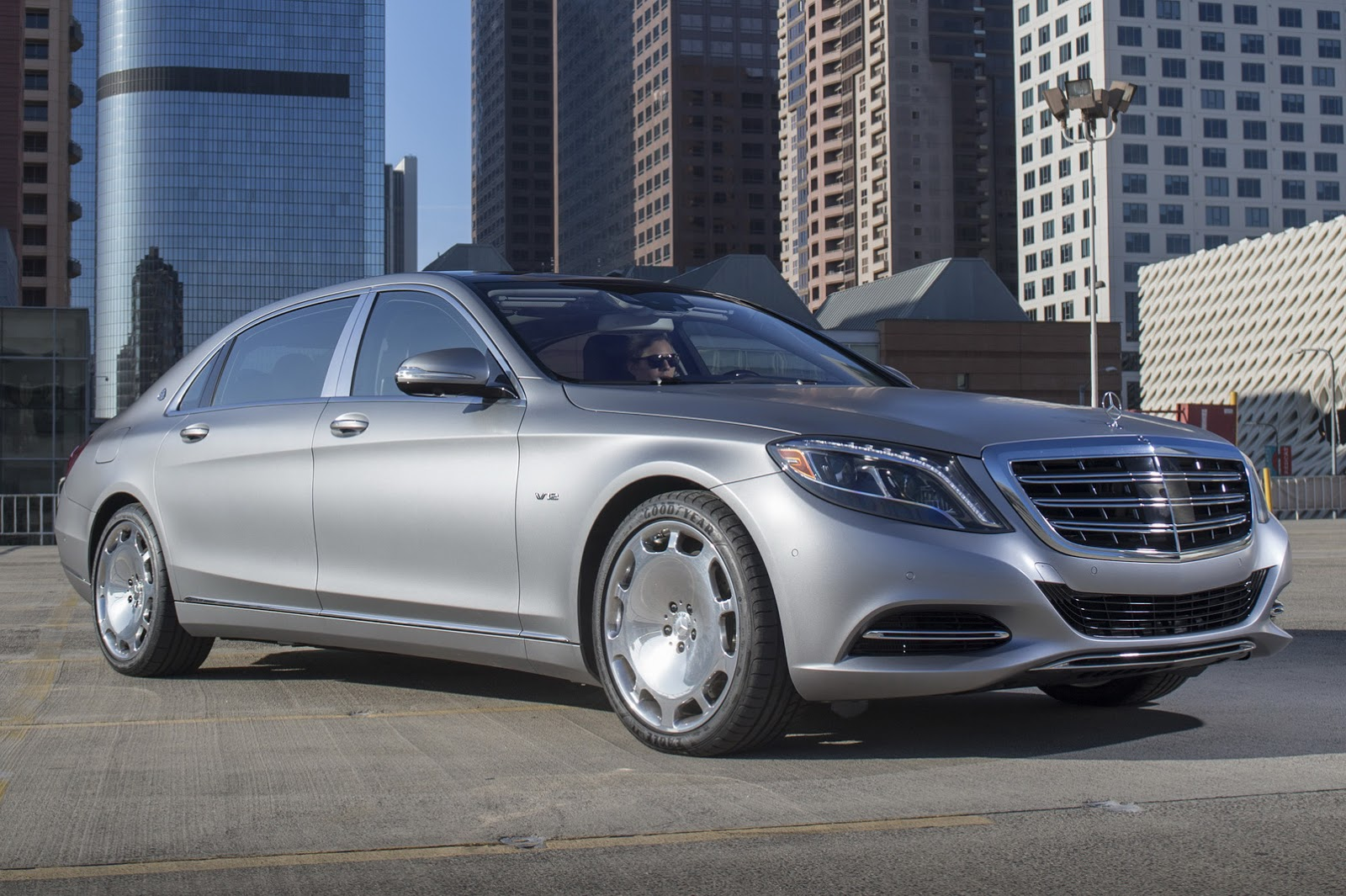 Get to know the 2016 mercedes maybach s600 in 57 new for Mercedes benz maybach 6 price