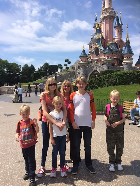 children at Disneyland Paris