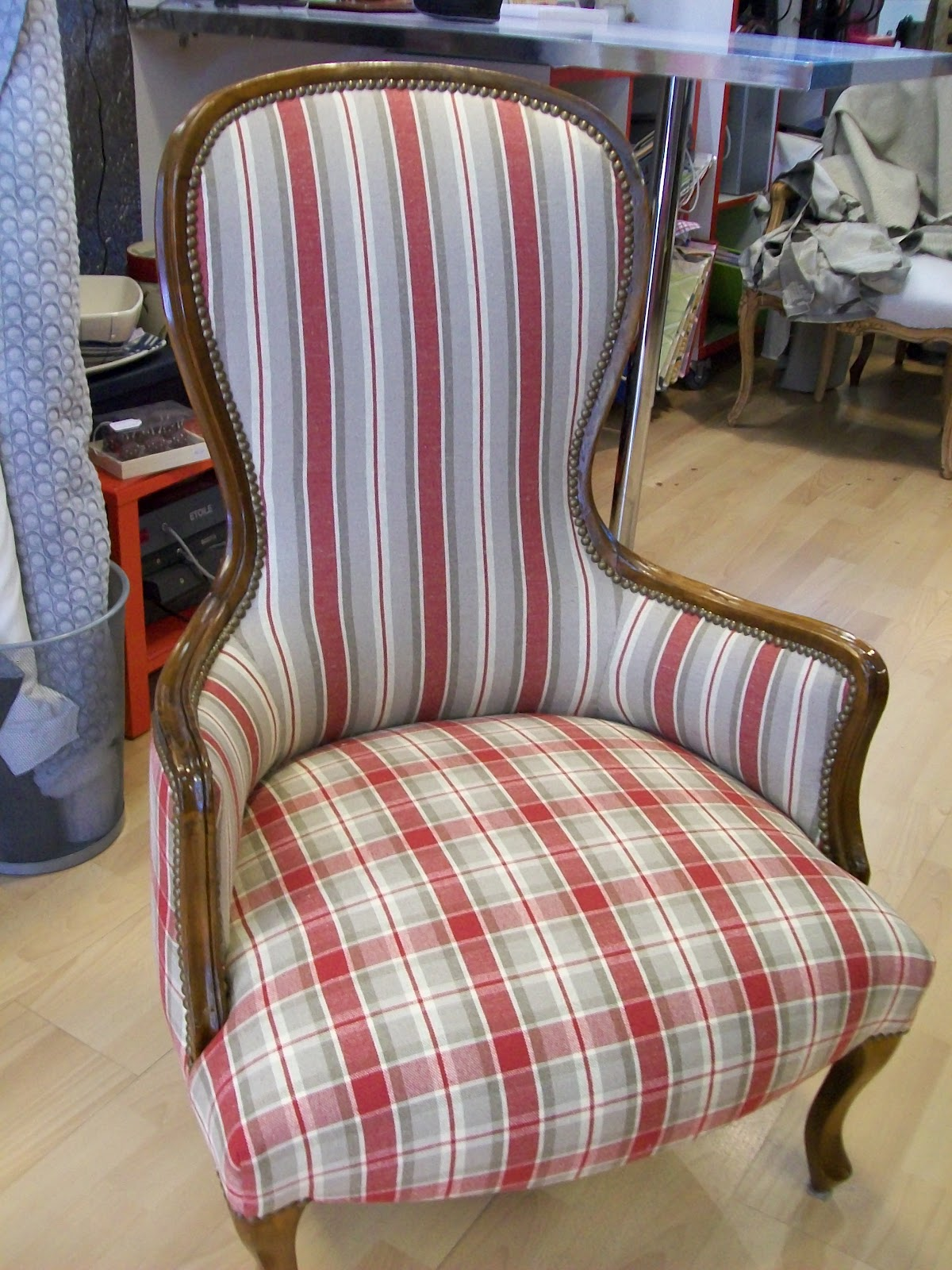 l 39 fauteuil berg re a violon. Black Bedroom Furniture Sets. Home Design Ideas
