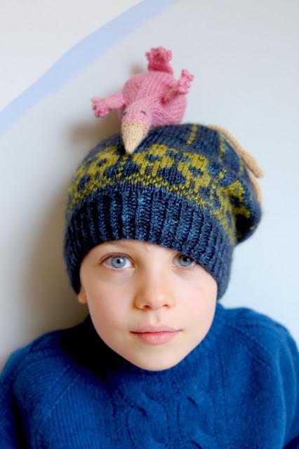 PÅ FUGLEJAKT - to catch a bird while knitting