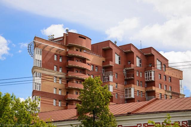 Путешествия: дом-утюг Пермь