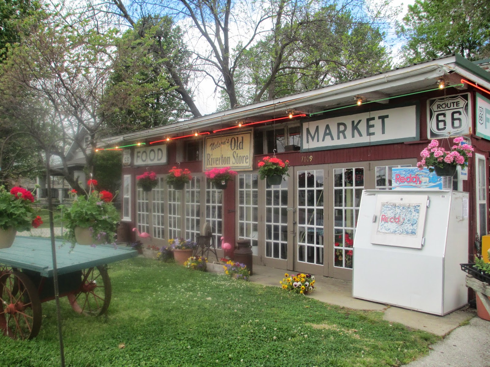old riverton store in kansas, golden corral, will rogers museum and dennys in oklahoma