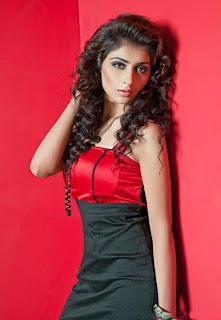 Nikita Sharma  in black long skirt 2013.jpg