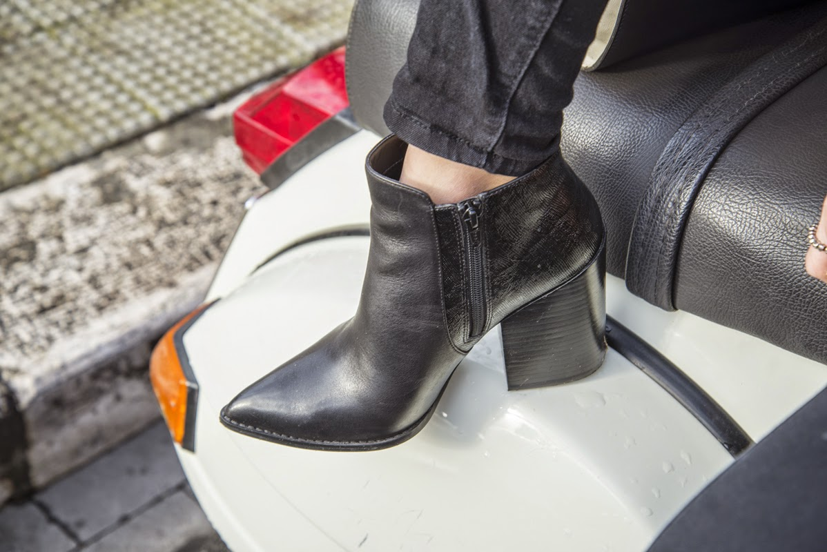 the frugal mix, Francesca Navarro, pointed toe booties, river island booties, fashion blogger, black and white outfit, street style 2015, fashion trends