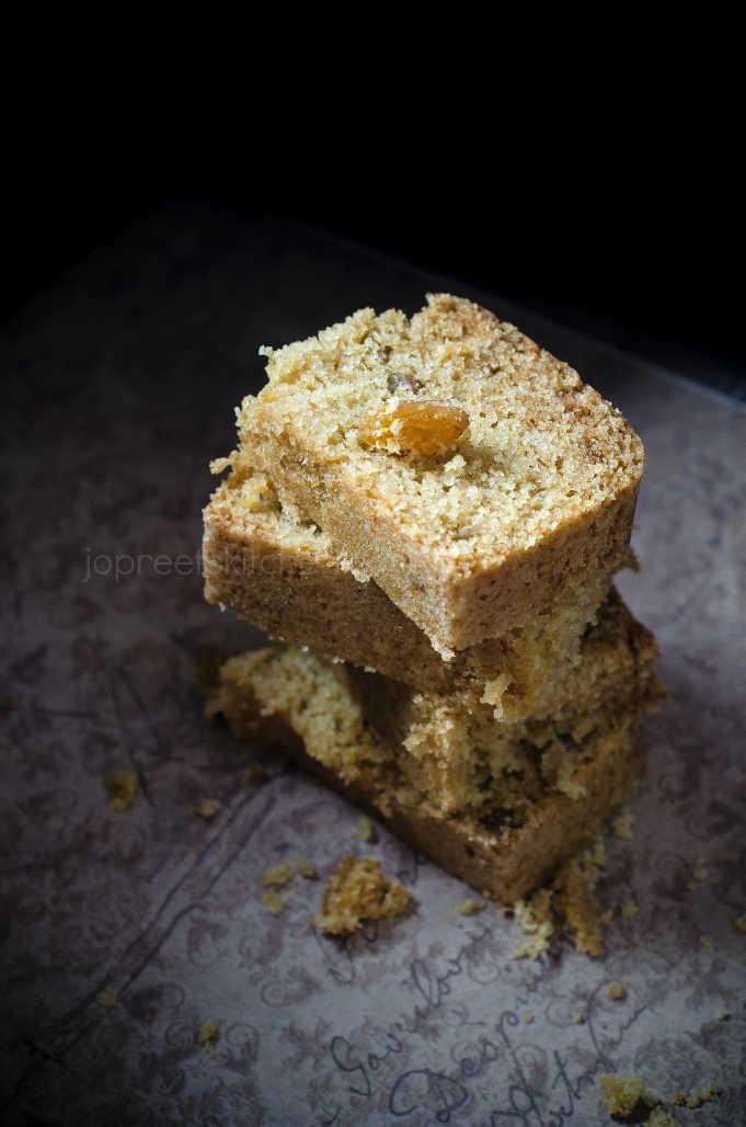 Steamed Milk Powder & Raisins Cake / Eggless Milk Cake