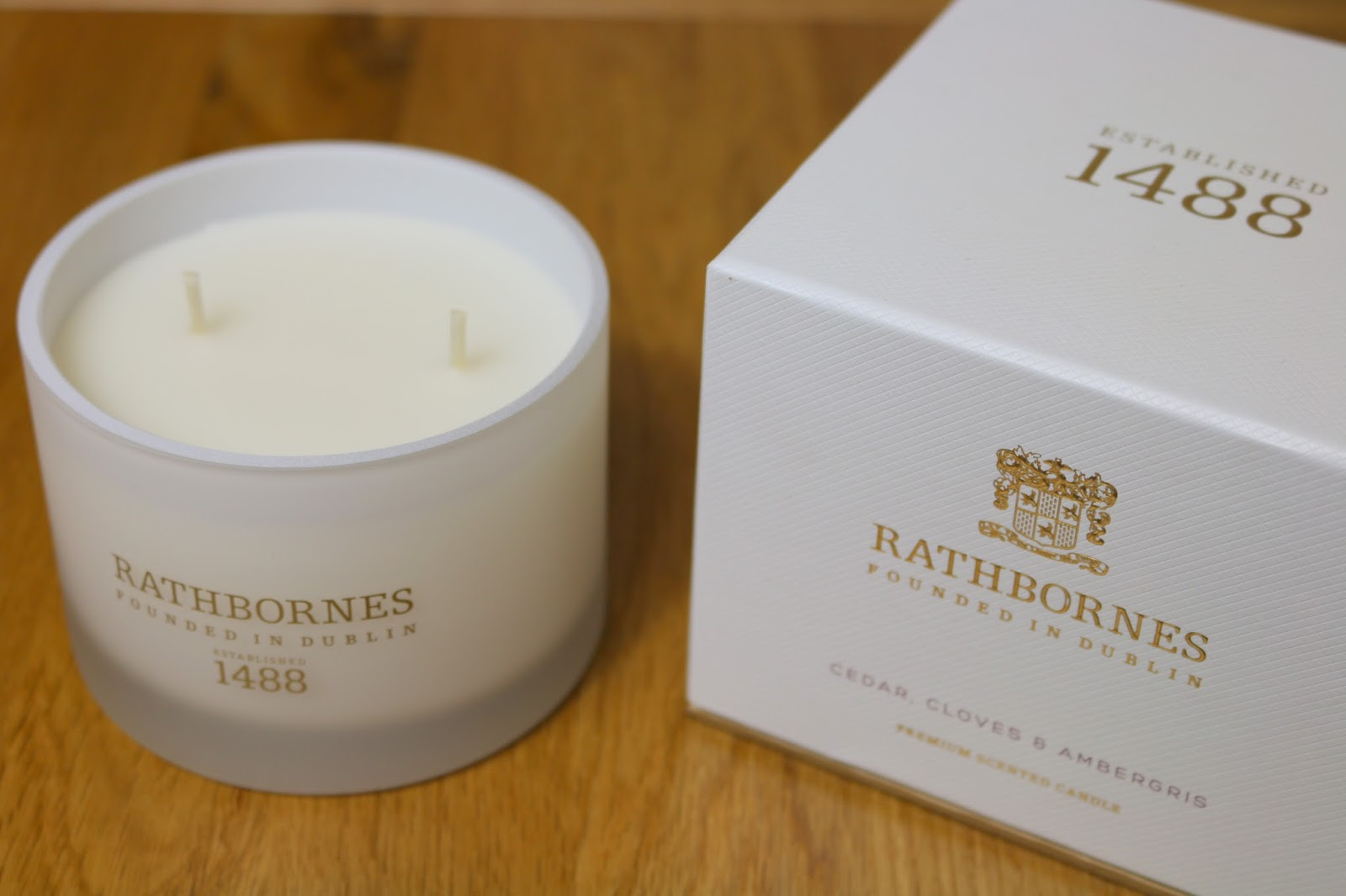 Rathbornes Cedar, Cloves and Ambergris Scented Classic Candle