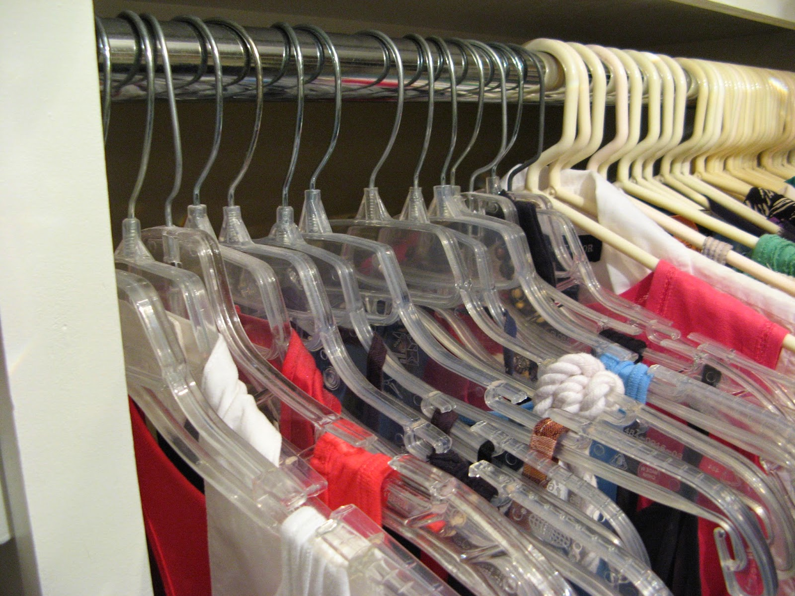 14 Closet Organizing Tips - HANGERS
