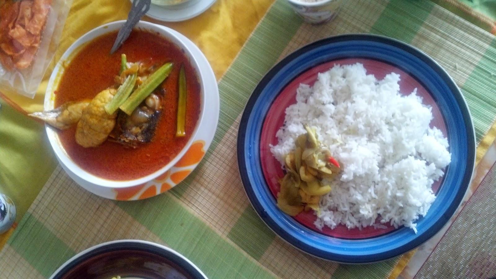 fish curry,fish_curry,nasi putih dan kari kepala ikan,nasi kandar line clear,nasi kandar kapitan,kapitan curry,nasi_kandar_beratur,resepi-kari_kepala_ikan