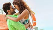 Run Raja Run Movie Stills-thumbnail-12