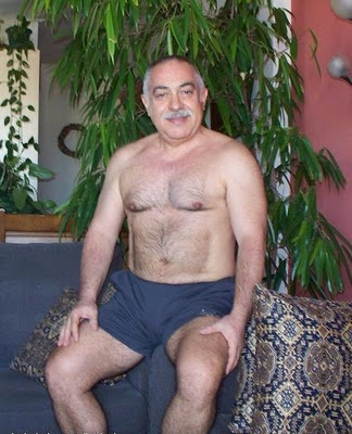 hot oldman naked blogger