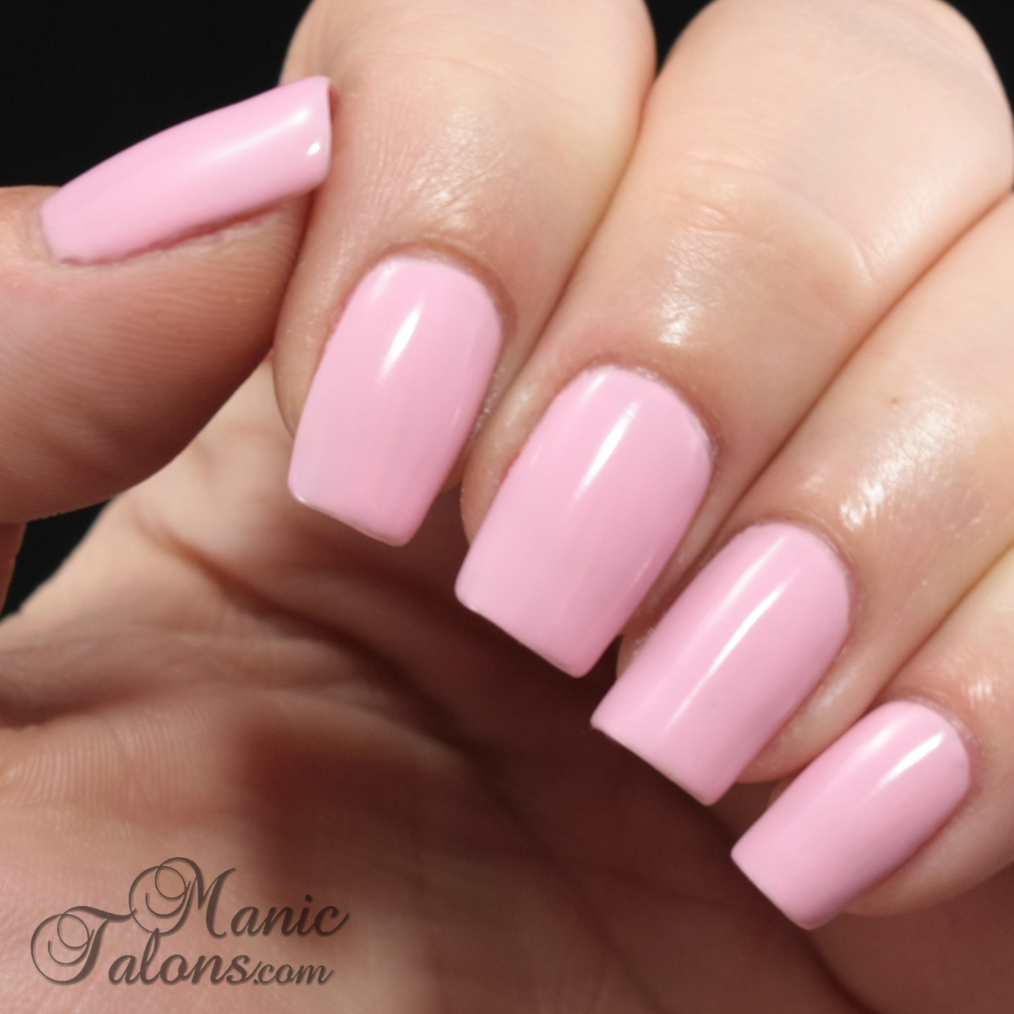 Daisy DUO Soak Off Gel Polish Sweet Romance Swatch
