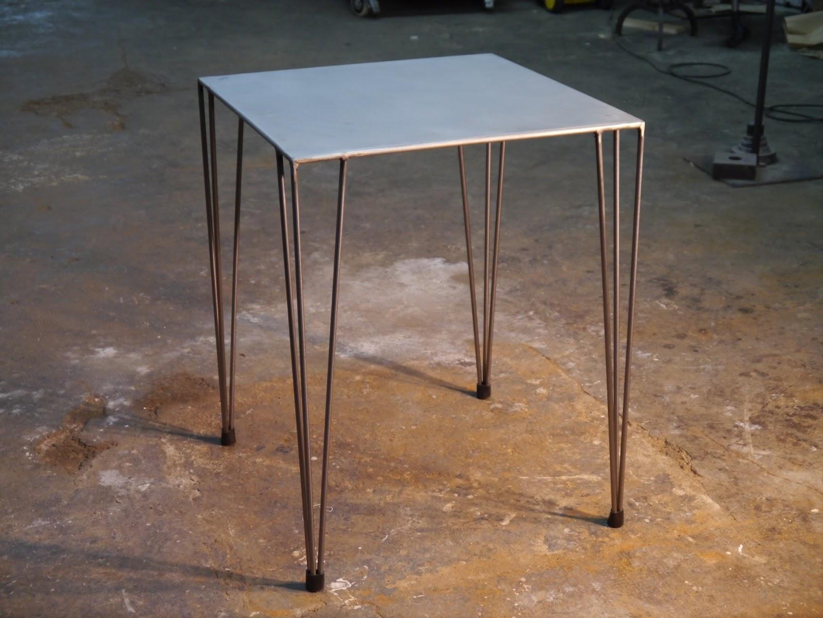 Mesas y sillas en metal de estilo industrial en hierro y for Ver modelos de sillas