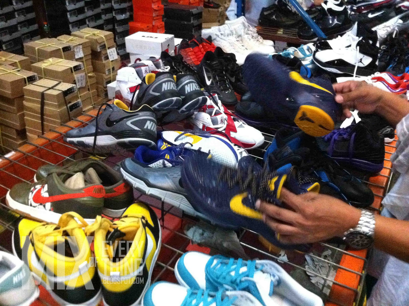 My Nike Warehouse Sale Hello! Welcome to my blog!