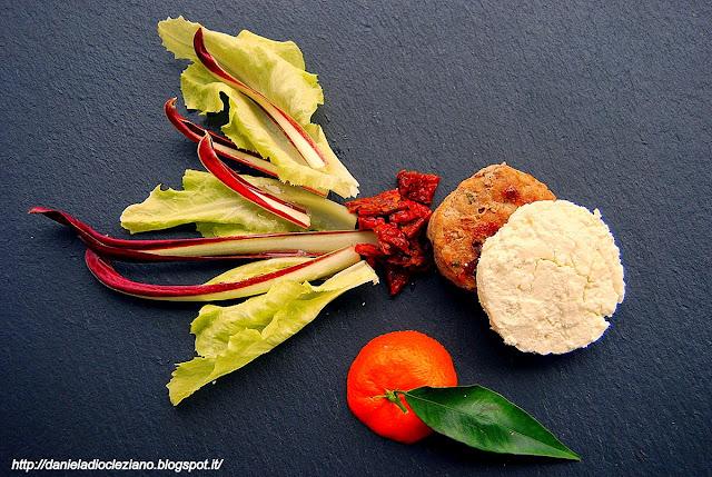 hamburger di carni bianche con quartirolo lombardo e verdure