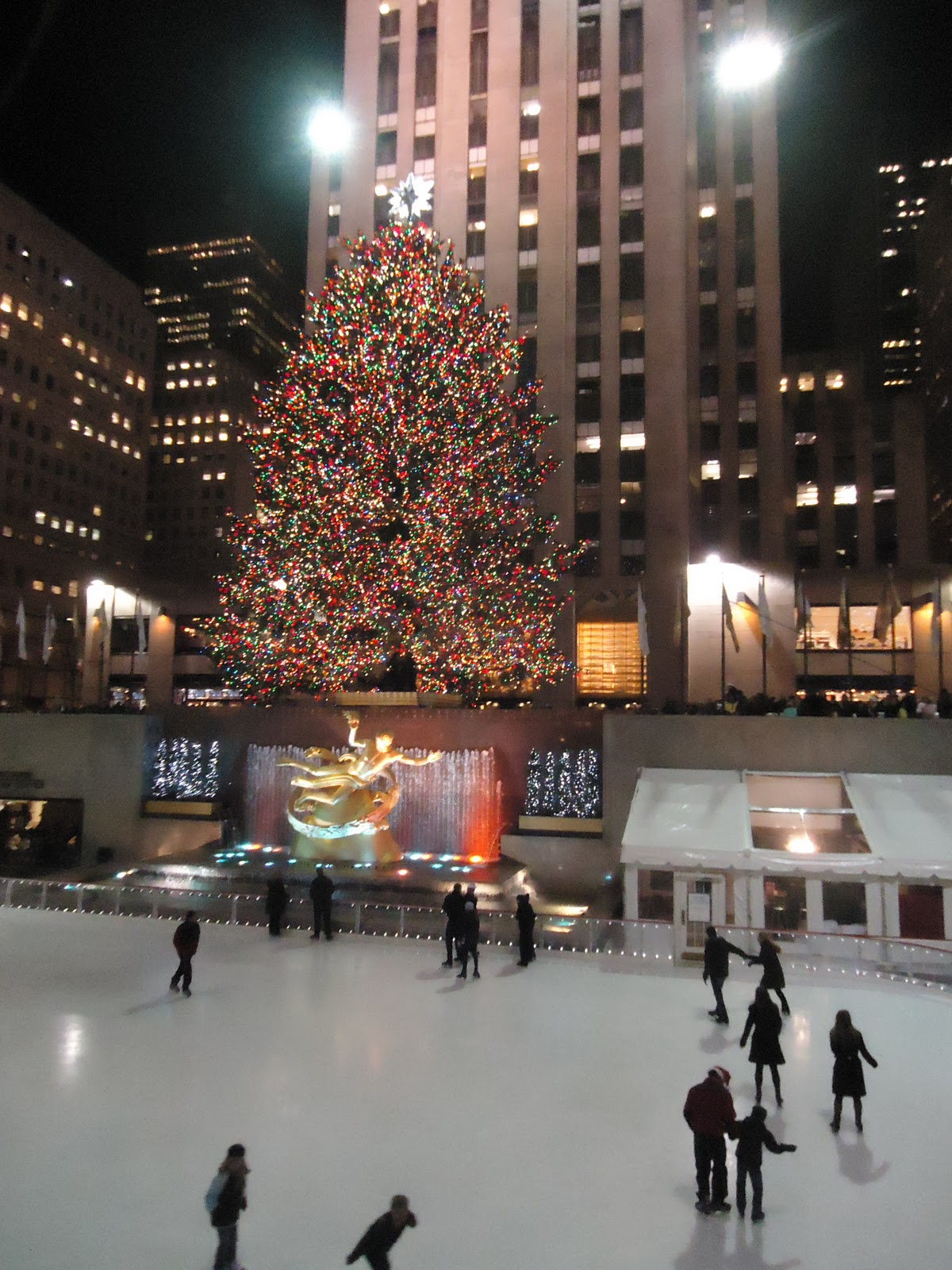 Have list will travel christmas trip to new york for Christmas trips to new york