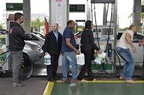 Combustível em postos do DF deve acabar totalmente às 16h, diz sindicato