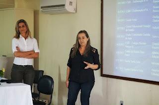 Adriana Cardoso Nunes e Nelma de Moraes Gomes detalham informações para os presentes