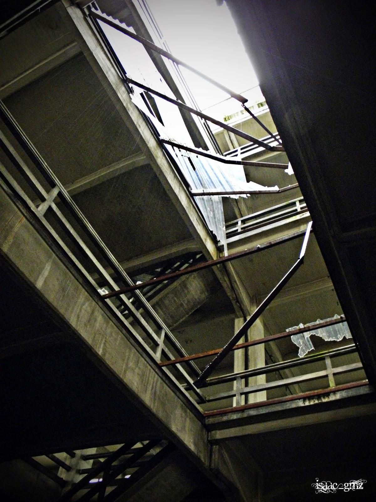 El silencio del abandono la f brica de las escaleras for Fabrica escaleras aluminio