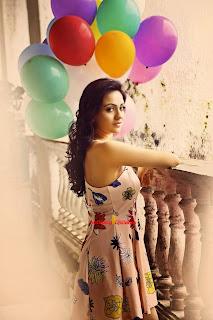 Aksha Pardasany 14.jpg
