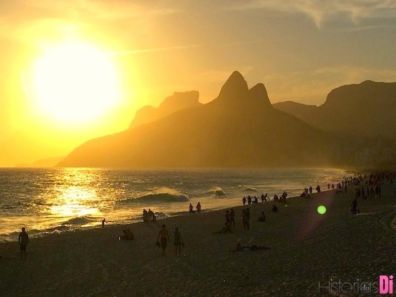 Por do sol na Praia do Leblon