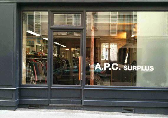 déstockage de vêtements en prêt-à-porter à Paris chez A.P.C. Surplus