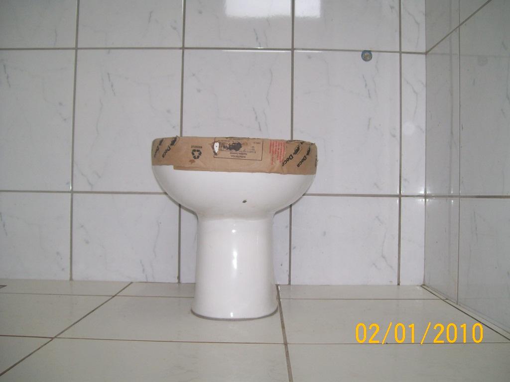 banheiros o banheiro é o lugar mais privativo da casa de qualquer um  #BF8F0C 1024x768 Banheiro Cor Ideal