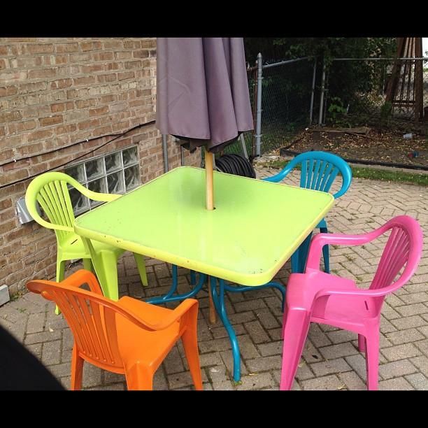 Amazing painted glass plastic patio set
