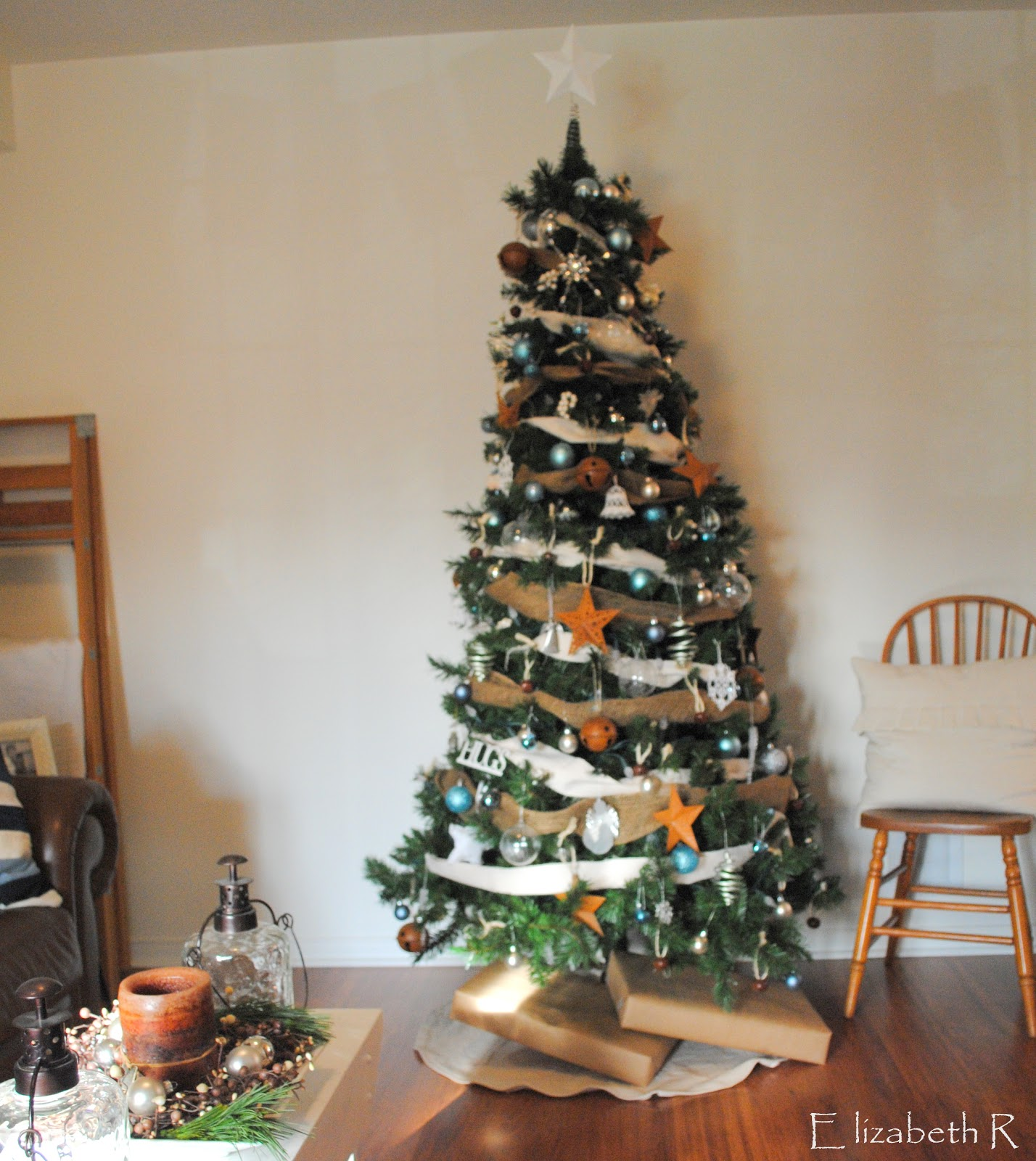 Xmas Decoration For Living Room Rustic Maple Christmas Decorations And Living Room Theme Hints