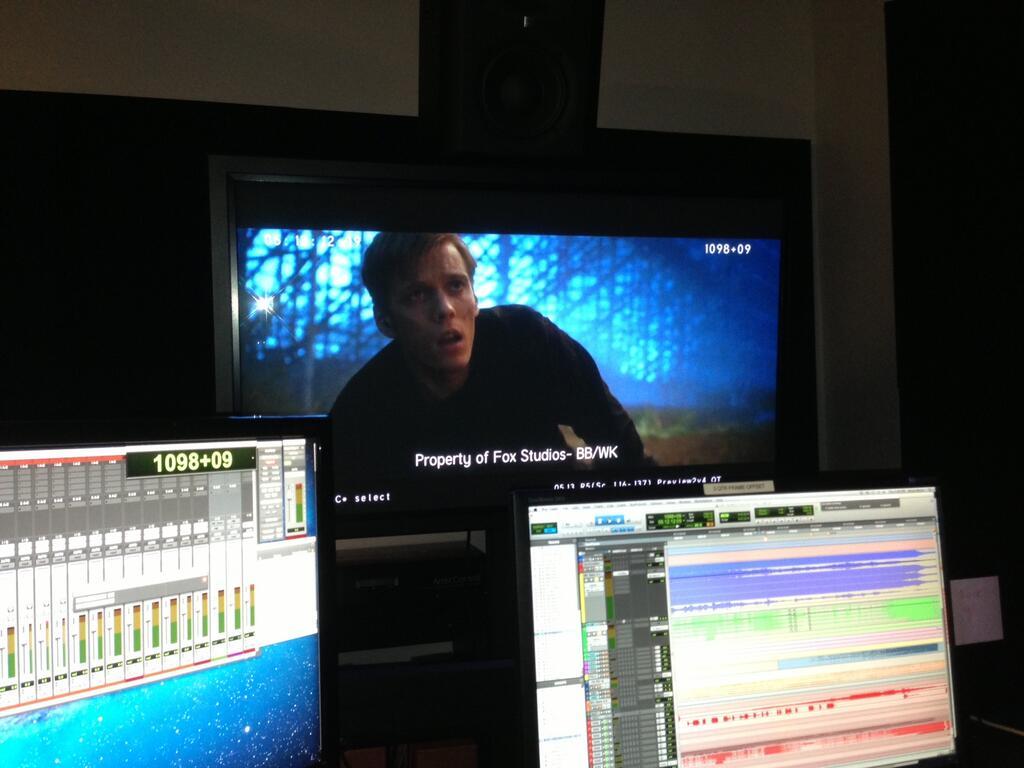 Distintas pantallas para mezclar el sonido de El Mar de los Monstruos.