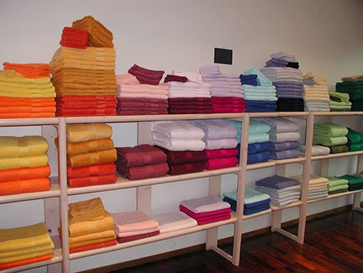 le magasin d usine de la soci t industrielle bruno. Black Bedroom Furniture Sets. Home Design Ideas