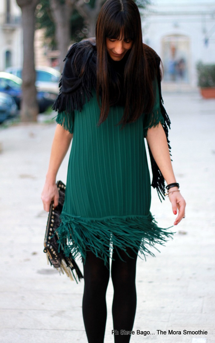 fashion, fashion blog, fashion blogger, italian fashion blogger, fashion blogger italiana, style, fashion style, pic, model, marccain, bizzaria, silvian heach, dress, bag, shoes, scraf, peperosa, abito con le frange, fringe, fringe dress, ootd, outfit, look, tronchetti, come indossare abito frange, abito con le frange, scirpa frange, borsa frange, ankle boots, stivaletto nero