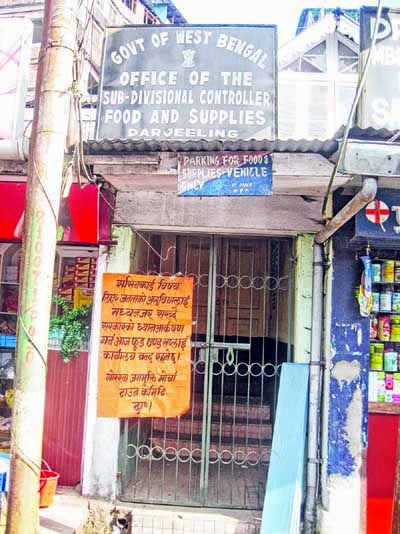 Morcha closed food and supplies office in Darjeeling hills for indefinite period