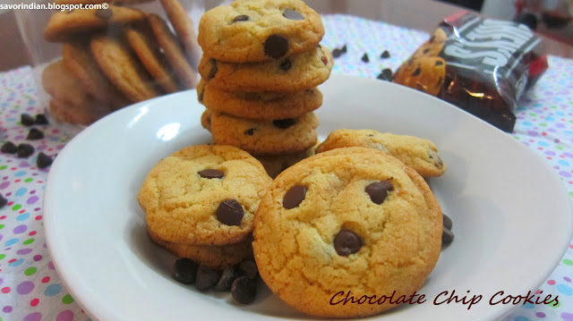 chocolate chip cookie recipe /chocolate chip and almonds cookies