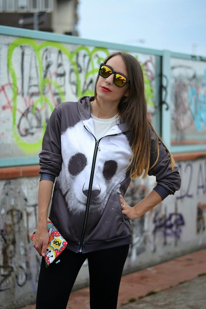 felpa panda con cappuccio