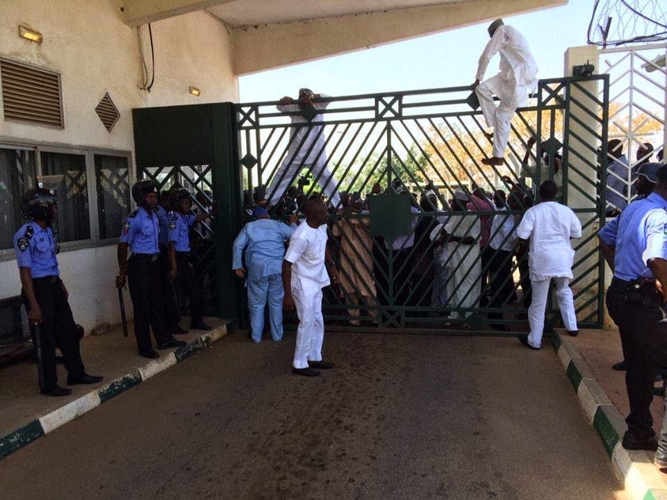 Pandemonium at National Assembly, Police, SSS Lock Out Tambuwal 2