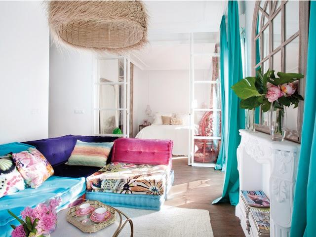 Una casa con personalidad y buen gusto con un interior salpicado de vivos colores chicanddeco
