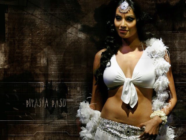 Download Hot and Sexy Bipasha Basu HD Wallpapers, Pics, Images