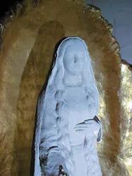 Notre Dame de la Prière, Fecioara Maria a Rugãciunii (din insula Bouchard de pe râul Vienne) Franta